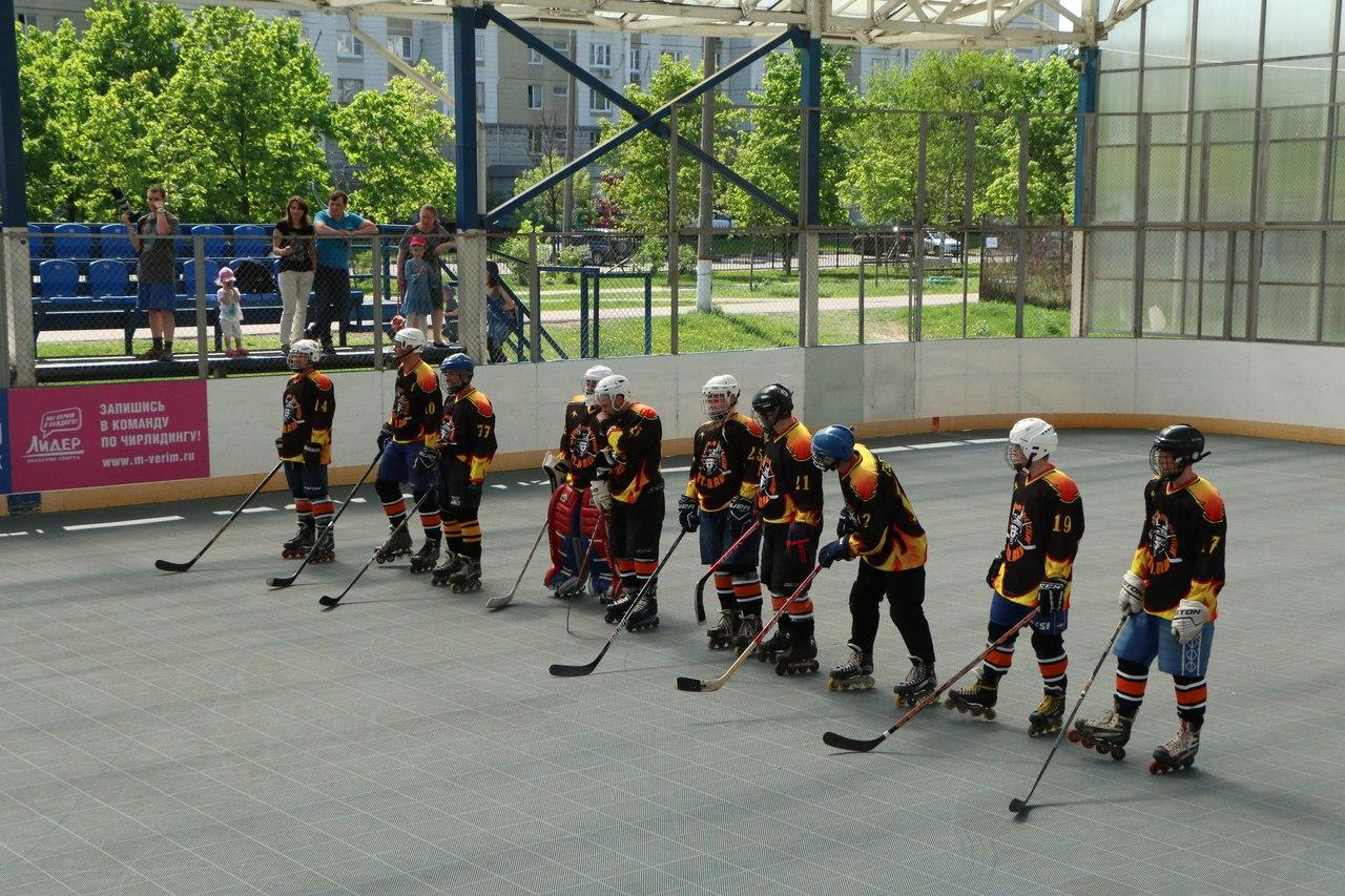 Команда «Бешеные Белки» из Домодедово участвует в Чемпионате России по хоккею на роликах
