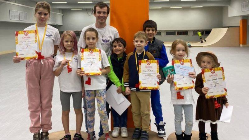 Участие в детских соревнованиях по роллер-спорту Kids cross «Осенняя гонка» в Москве